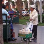 mobiler Kaffee-Stand auf der Plaza in Santa Cruz